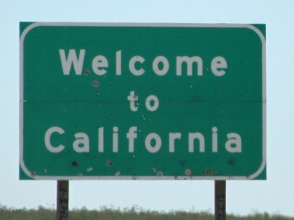 Welcome-to-California-Flickr (Tony Hisgett / Flickr / CC / Cropped)