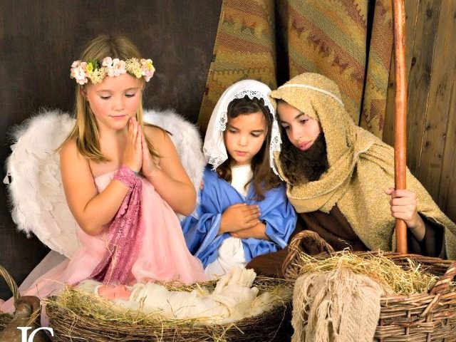 child live nativity scene
