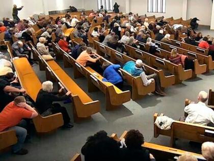 churchgoers-take-cover
