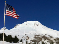 CORRECTS TO SOME PEOPLE, NOT GEOLOGIC EXPERTS IN THE SECOND SENTENCE - FILE - In this Feb. 13, 2018 file photo, Oregon's Mount Hood is seen from Timberline Lodge on the south side of the mountain. The 2018 eruption of the Kilauea volcano in Hawaii has some people along the …