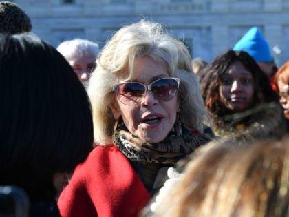 Video: Jane Fonda Hits the Streets for 'Climate Refugees,' Goes After ICE and Big Banks