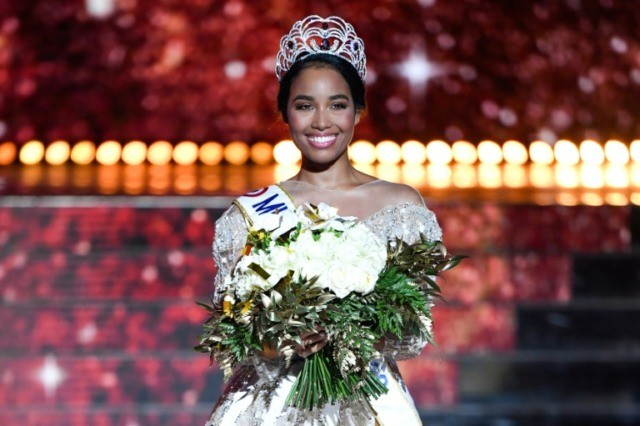 anti racist group protests tweets about black miss france. Black Bedroom Furniture Sets. Home Design Ideas