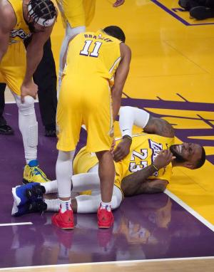 Lakers' LeBron James questionable vs. Trail Blazers with ...