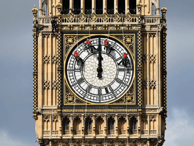 Countdown clock to be projected onto Number 10 to mark Brexit day