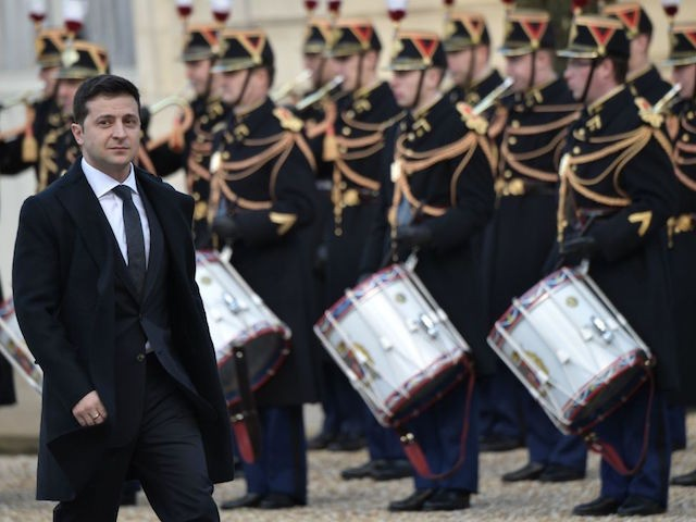 Ukraine's President Volodymyr Zelensky arrives at the Elysee Palace to attend a summit on Ukraine, on December 9, 2019, in Paris. - Russian president will for the first time hold formal talks with his Ukrainian counterpart over the conflict in Ukraine's east, at a much-anticipated summit in Paris. (Photo by …