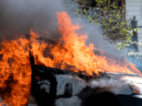 Police: Arizona Man Caught Setting Vehicles Ablaze in Parking Lot