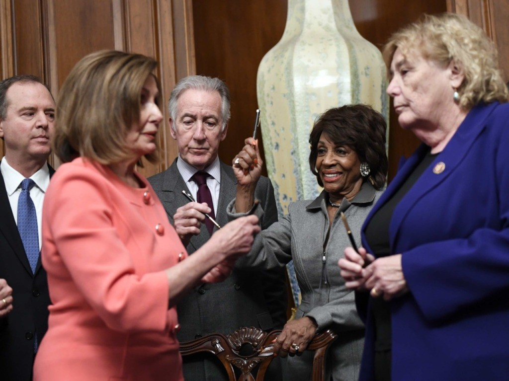 Nancy Pelosi pens (Susan Walsh / Associated Press)