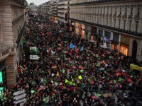 Tens of Thousands March in Paris to Protest 'Wombs for Rent'