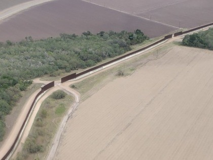 Breitbart News observed gaps in the Rio Grande Valley Sector border wall sections. (Photo: Breitbart Texas/Bob Price)