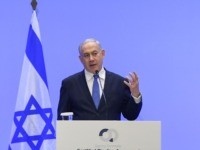 Israel's Prime Minister Benjamin Netanyahu (R) speaks during a press conference with Greek Prime Minister Kyriakos Mitsotakis (L) in Athens on January 2, 2020 following the signing ceremony of an agreement for the EastMed pipeline project designed to ship gas from the eastern Mediterranean to Europe in Athens on January …