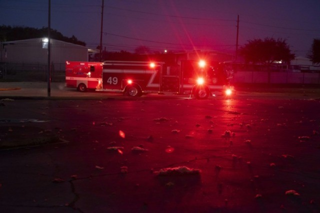 Large explosion rocks Houston, houses damaged