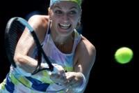 Kvitova fights back to reach Australian Open quarter-finals