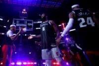 NBA players, fans pay tribute to trailblazing idol Kobe