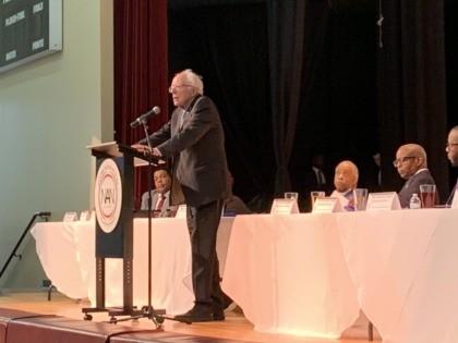 Bernie Sanders Al Sharpton (Joel Pollak / Breitbart News)