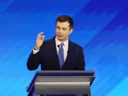 MANCHESTER, NEW HAMPSHIRE - FEBRUARY 07: (L-R) Democratic presidential candidates former South Bend, Indiana Mayor Pete Buttigieg and Sen. Elizabeth Warren (D-MA) participate in the Democratic presidential primary debate in the Sullivan Arena at St. Anselm College on February 07, 2020 in Manchester, New Hampshire. Seven candidates qualified for the …