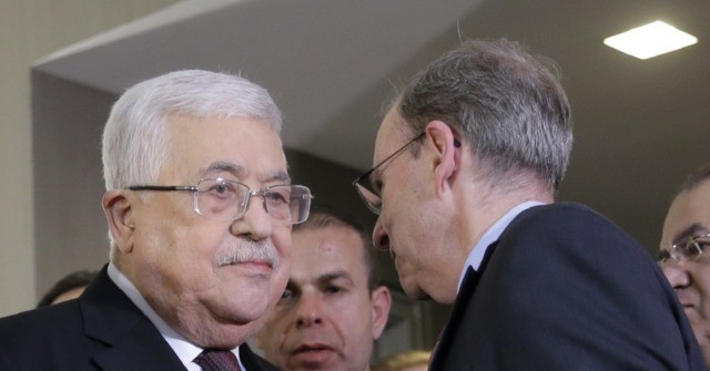 Mahmoud Abbas and Jeremy Ben Ami Associated Press 640x335 - J Street Leader Jeremy Ben-Ami Kisses, Embraces Palestinian Tyrant Mahmoud Abbas