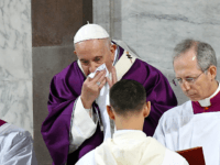 Pope Francis Calls for 'Widespread Distribution' of Coronavirus Vaccines