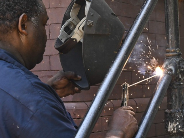black American worker wages (Eva Hambach / AFP / Getty)