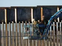 Report: DHS Ordered to Stop Border Wall Construction by January 27