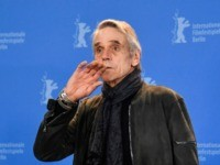President of the International Jury Jeremy Irons poses during a photocall on February 20, 2020, on the day of the official opening of the 70th Berlinale film festival in Berlin. - The 11-day Berlinale, one of Europe's most prestigious film extravaganzas alongside Cannes and Venice, celebrates its 70th anniversary in …