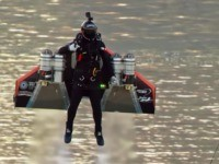 Watch: 'Jetman' Takes to the Skies over Dubai 'Iron Man'-Style