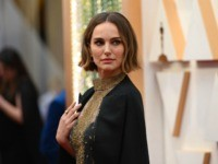 US-Israeli actress Natalie Portman arrives for the 92nd Oscars at the Dolby Theatre in Hollywood, California on February 9, 2020. (Photo by Robyn Beck / AFP) (Photo by ROBYN BECK/AFP via Getty Images)