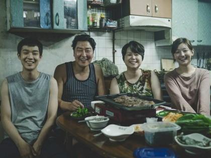 Kang-ho Song, Hye-jin Jang, Woo-sik Choi, and So-dam Park in Gisaengchung (2019)