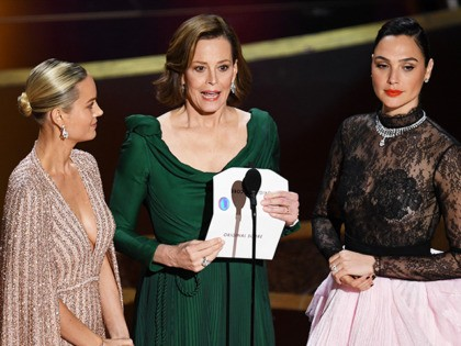 HOLLYWOOD, CALIFORNIA - FEBRUARY 09: (L-R) Brie Larson, Sigourney Weaver, and Gal Gadot speak onstage during the 92nd Annual Academy Awards at Dolby Theatre on February 09, 2020 in Hollywood, California. (Photo by Kevin Winter/Getty Images)