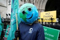 Climate campaigners win appeal to prevent new Heathrow runway