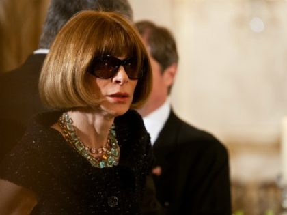 Vogue's Anna Wintour Apologizes After Black Staffers Call for Her Removal over Diversity Complaints