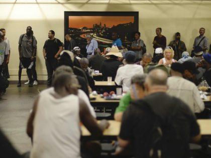 Food homeless Los Angeles (Kevork Djansezian / Getty)