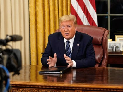 US President Donald Trump addresses the Nation from the Oval Office about the widening novel coronavirus (Covid-19) crisis in Washington, DC on March 11, 2020. - President Donald Trump announced on March 11, 2020 the United States would ban all travel from Europe for 30 days starting to stop the …