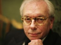 LONDON - JANUARY 18: Historian David Starkey poses for a photograph while attending the Morgan Stanley Great Britons Awards 2006 at the Guildhall on January 18, 2007 in London, England. (Photo by MJ Kim/Getty Images)