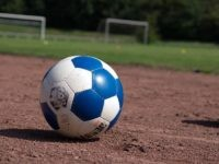 Soccer ball (HolgerLi / Flickr / CC / Cropped)