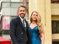 HOLLYWOOD, CA - DECEMBER 15: Actors Ryan Reynolds (L) and Blake Lively pose for a photo as Ryan Reynolds is honored with star on the Hollywood Walk of Fame on December 15, 2016 in Hollywood, California. (Photo by Matt Winkelmeyer/Getty Images)