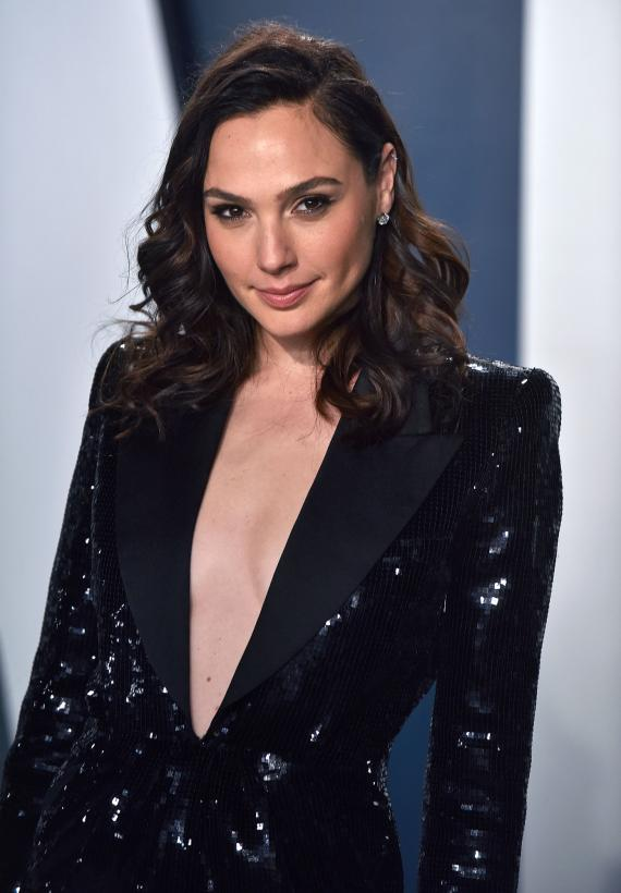 Gal Gadot, Jamie Dornan, Mark Ruffalo sing 'Imagine' in new video