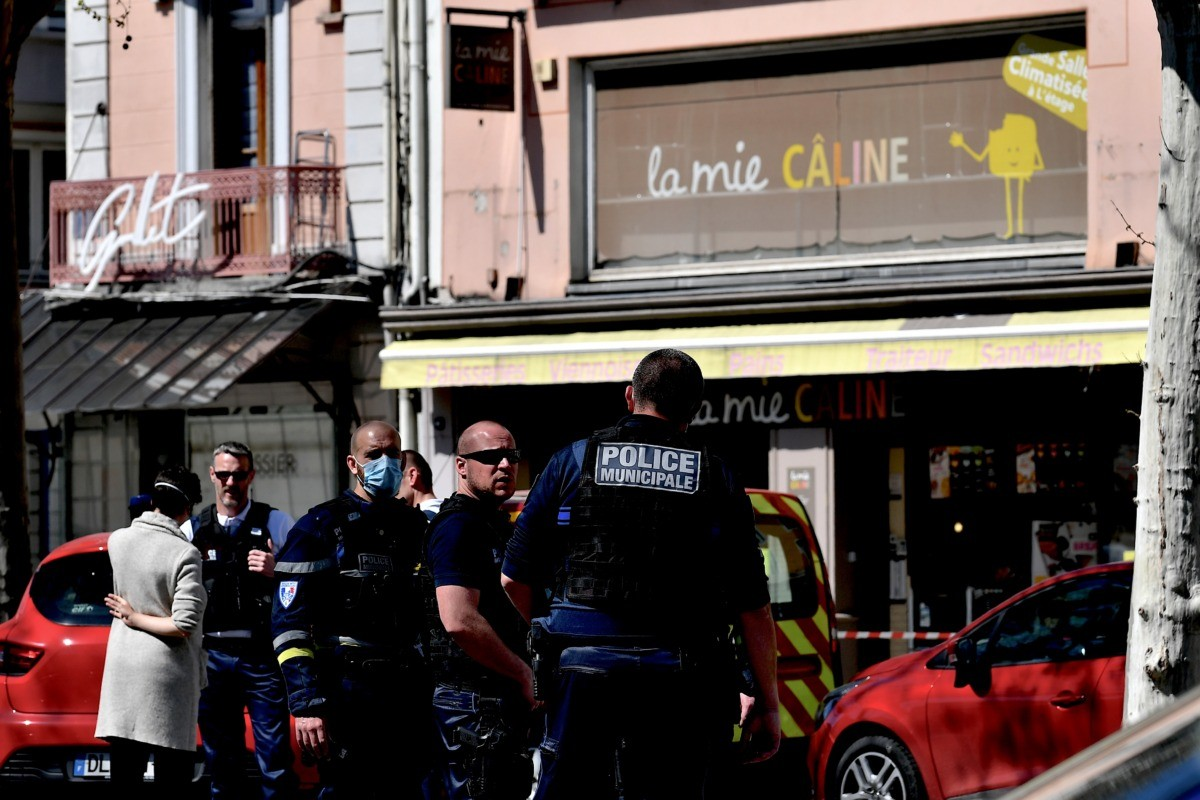 Two killed and others wounded in France knife attack