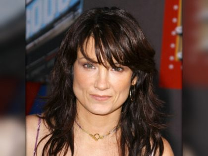 "Photo by: Lee Roth/starmaxinc.com �2004 ALL RIGHTS RESERVED Telephone/Fax: (212) 995-1196 9/8/04 Meredith Brooks at the premiere of ""Mr. 3000"". (Hollywood, CA) (Star Max via AP Images)"