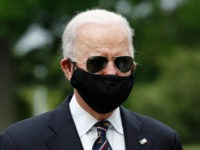 Biden on Trump Not Wearing a Mask: Absolute Fool Is 'Stoking Deaths'