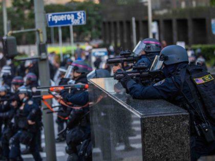 California police Los Angeles riots (Apu Gomes / AFP / Getty)