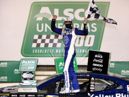 No Wreck, No Middle Finger, Just Free Hooters and Lots Of Smiles After Chase Elliott Win