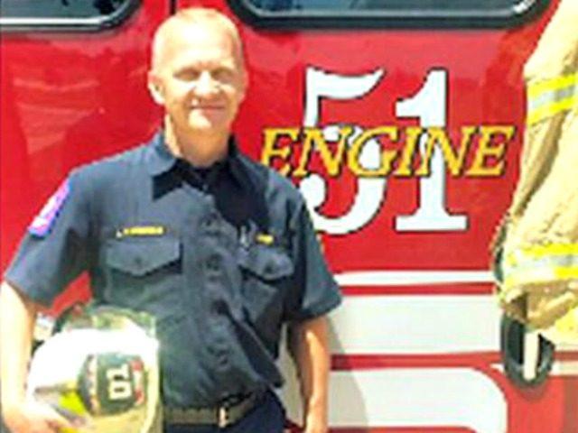Gun-Barrel-City-fire-chief-saves-infant-05.22.20