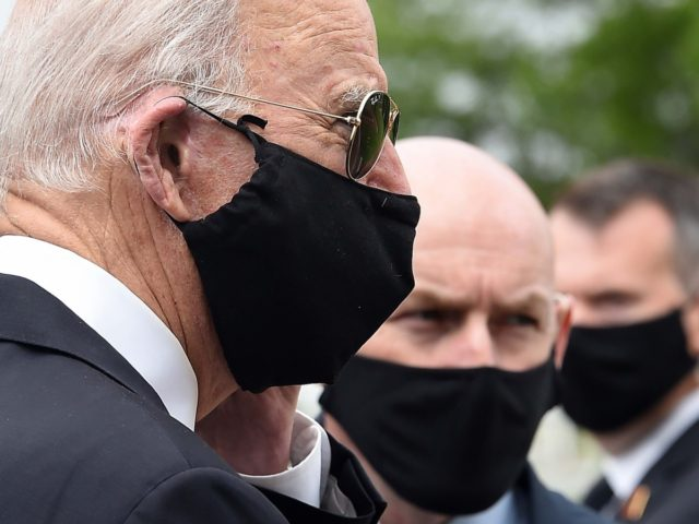 Joe Biden black masks (Olivier Douliery / AFP / Getty)