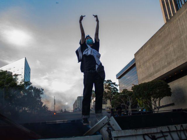 Los Angeles riot (Apu Gomes / Getty)