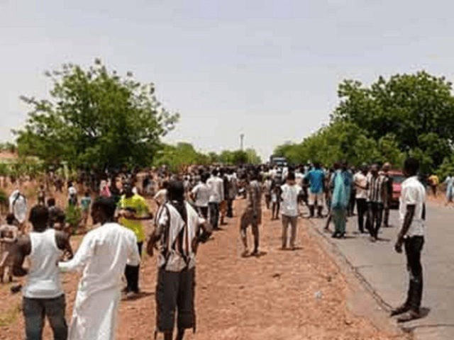 Coronavirus hospital patients in Nigeria broke their quarantine this week to protest the conditions under which they are being kept, including being deprived of food, medicine, and care, Nigerian newspaper Vanguard reported on Wednesday.