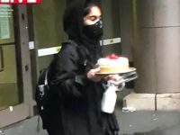 Watch: Rioter Loots Cheesecake from Cheesecake Factory in Seattle