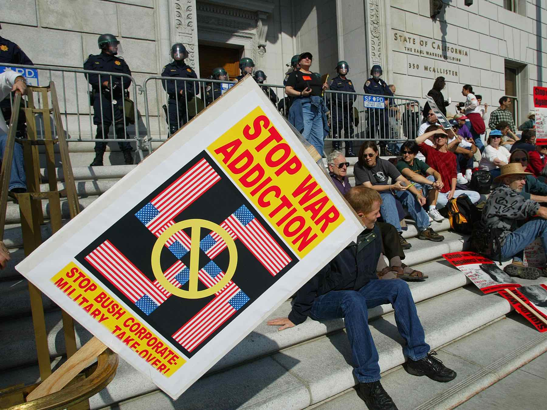 Swastika anti-war protest (John G. Mabanglo / AFP / Getty)