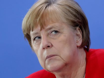 Merkel Backs 'Accomplished' E.U. for Global Role in Coronavirus Crisis