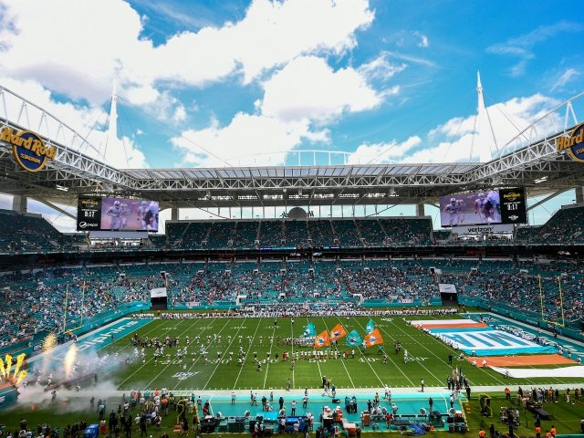 Miami Dolphins to set up drive-in theater at Hard Rock Stadium