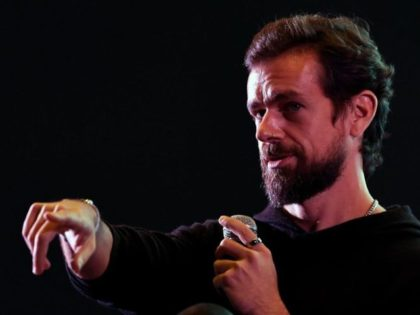 Twitter CEO and co-founder Jack Dorsey gestures while interacting with students at the Indian Institute of Technology (IIT) in New Delhi on November 12, 2018. - Dorsey hosted a town hall meeting with university students on his visit to the Indian capital New Delhi. (Photo by Prakash SINGH / AFP) …
